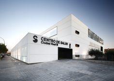 Centro de Salud Ciudad Real 3 / BAT + ARQUITECNICA
