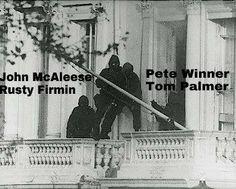 30 aprile 1980 -  Un gruppo di terroristi mediorientali assalta l'ambasciata iraniana di Londra e prende in ostaggio tutti i presenti  05 aprile 1980 - Il SAS li fa uscire vivi