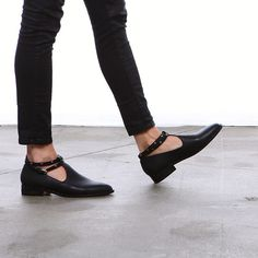 Freda Salvador loafers Professional Shoes, Pretty Shoes, Cute Shoes, Me Too Shoes, Character Shoes, Black Flats, Pointy Flats, Sock Shoes, Shoe Boots