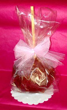 PARTY FAVORS!!! manzana cubierta con tamarindo y chile! detalles/recuerdos para fiestas Gourmet Mexican Tamarind Candy Chile Apples by LightFavors on Etsy, $5.50