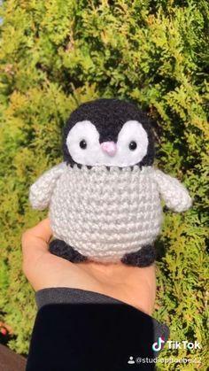 Crochet Animal Patterns, Stuffed Animal Patterns, Crochet Patterns Amigurumi, Crochet Animals, Crochet Stitches, Crochet Penguin, Crochet Turtle, Kawaii Crochet, Cute Crochet
