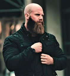 When many guys grow a beard, they think they have finally found the key to doing absolutely nothing when it comes to bathroom maintenance. Letting the beard grow is not a get-out-of-jail-free card for neglecting any type Bald Men With Beards, Bald With Beard, Great Beards, Awesome Beards, Beard Styles For Men, Hair And Beard Styles, Tapered Beard, Viking Beard, Men's Hairstyles