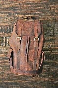 Bagpack    - cowhide crazyhorse leather  - natural canvas lining  - dimension : 45x30x20cm    $80     #Leather #Bag #LeatherBag