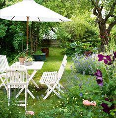 Amazing Ideas for Small Backyard Landscaping - My Backyard ideas Outdoor Rooms, Outdoor Gardens, Outdoor Decor, Outdoor Seating, Small Backyard Landscaping, Nice Backyard, Parasol, My Secret Garden, Summer Garden