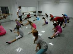 CURSURI DE DANS PT COPII Basketball Court, Wrestling, Dance, Lucha Libre, Dancing