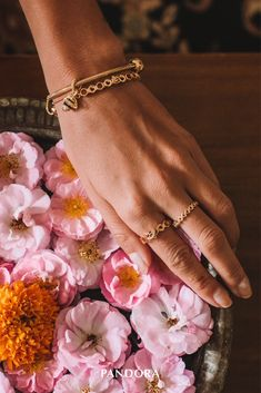 Shine is our new favourite colour! Celebrate spring with the geometric beauty of honeycombs with our new PANDORA Shine bracelets and rings. The limited honeycomb set is now available in selected stores and online. Photo credit: Luisa Accorsi