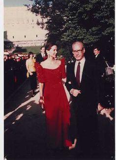 Isabel y Miguel Boyer en la Onomástica de Su Majestad el Rey Juan Carlos I en el Campo del Moro, en el Palacio de Oriente