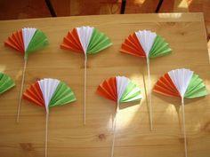 Kreatív ötletek március 15-ére - Színes Ötletek Independence Day Activities, Independence Day Decoration, 15 August Independence Day, Creative Crafts, Fun Crafts, Diy And Crafts, Arts And Crafts, Paper Crafts, Board Decoration