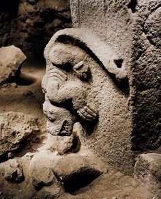 The alternative ancient history of the world's first temple at Gobekli Tepe and its possible construction by the Denisovans and Anunnaki Ancient Aliens Ancient Mysteries, Ancient Ruins, Ancient Artifacts, Ancient History, Stonehenge, Klaus Schmidt, The Dog Star, Temple, Les Reptiles