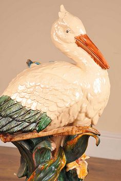 English majolica pottery stork umbrella stand maoilica www… Glazes For Pottery, Ceramic Pottery, Pottery Art, Antique Pottery, Ceramic Animals, Pottery Making, Glass Ceramic, Antique China, Antique Shops