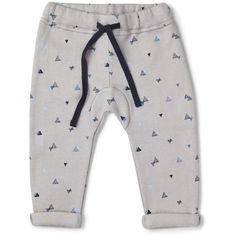 """Bløde bukser med """"sejt"""" print - eksempelvis disse fra My Baby Wear - str. 56 eller 62."""