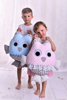 Mascota hecha a mano búho infantil cojín Owl Fabric, Fabric Toys, Sewing To Sell, Sewing For Kids, Baby Pillows, Kids Pillows, Sewing Toys, Baby Sewing, Doll Patterns
