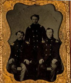 1860-039-s-CIVIL-WAR-UNION-NAVY-OFFICER-CASED-TINTYPE-PHOTO-QUARTER-PLATE-PHOTOGRAPH