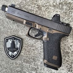 SSVI Glock 20 pistol with a stainless steel threaded barrel and Trijicon RMR. Assault Weapon, Lethal Weapon, Assault Rifle, Survival Weapons, Weapons Guns, Guns And Ammo, Glock Mods, Cool Guns, Awesome Guns