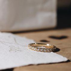 bespoke engagement ring by Michaela Roemer