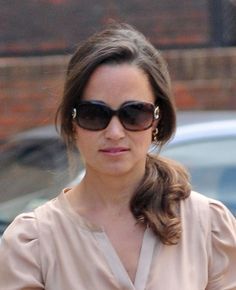 Pippa Middleton rocks a casual ponytail