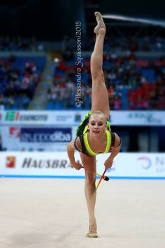Yana Kudryavtseva, Russia, won gold in clubs at World Cup Pesaro 2015