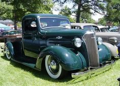 A very nice 1937 Chevrolet pickup Vintage Pickup Trucks, Chevy Pickup Trucks, Antique Trucks, Classic Chevy Trucks, Gm Trucks, Jeep Truck, Chevrolet Trucks, Cool Trucks, Vintage Cars