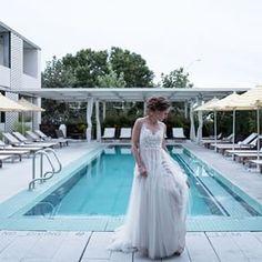 Kristi Wright (@kristiwrightphoto) • #wedding at #southcongresshotel in #austin. #austinweddings #austinweddingvenue #rooftopwedding #austinweddingphotographer Austin Wedding Venues, Rooftop Wedding, Hotel Wedding, Wedding Dresses, Instagram, Fashion, Bride Dresses, Moda, Bridal Gowns