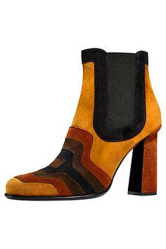 25 meilleures images du tableau Roger vivier   Roger vivier shoes ... 8f93a5c091f9