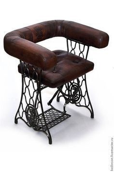 Ideia original de aproveitamento de uma estrutura de máquina de coser.