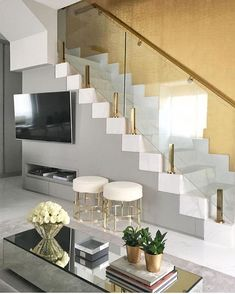 Need inspiration? See this beautiful luxury homes and dream big! Need inspiration Stair Railing Design, Home Stairs Design, Interior Stairs, Dream Home Design, Home Interior Design, House Design, Living Room Wall Designs, Stairs In Living Room, House Stairs