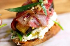 Pancetta, Fig & Cheese Crostini Jamie Oliver, Dried Figs, Plant Based Recipes, Bruschetta, Yummy Food, Delicious Meals, Bread Recipes, Vegetarian Recipes, Appetizers