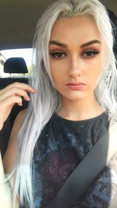 Fall makeup, white hair, platinum hair, silver hair , Red Hot Chili Peppers, brown eyes, straight hair, and red / gold eyeshadow Hair Color Highlights, Hair Color Dark, Ombre Hair Color, Silver Platinum Hair, Silver Hair, Ice Blonde Hair, Blonde Ombre, Eyeshadow For Brown Eyes, Gold Eyeshadow