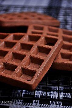 Od A do Z gotuj!: Gofry czekoladowe bezglutenowe przepis Fluffy Waffles, E Piano, Gluten Free Recipes, Free Food, Lunch Box, Cooking, Healthy, Breakfast, Sweet