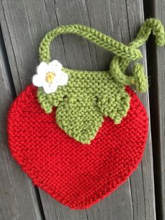 FREE Strawberry bib pattern.  Knit While He Naps: Spring brings the String! - Leas Strawberry Bib Pattern