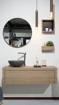 In deze landelijke #badkamer zie je een eiken badmeubel (Tailor-Made) in combinatie met een ronde zwarte spiegel én keramische waskom. Ontdek onze stoere badkamercollectie. It #loooxgood. Ensuite Bathrooms, Bathroom Renovations, Modern Grey Kitchen, Futuristic Furniture, Bathroom Organisation, Bathroom Interior Design, Bathroom Inspiration, Decoration, Home Decor
