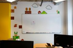 Buen detalle de Mario Bros en las paredes de las oficinas de SpareFoot en Austin