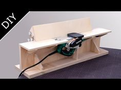 Make a Benchtop Jointer – Table Ideas Woodworking Projects Diy, Woodworking Jigs, Diy Wood Projects, Tool Box Diy, Diy Tools, Wooden Surfboard, Diy Table Saw, Diy Garage Storage, Workshop Storage