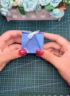 Gorgeous creations from craft paper You are in the right place about DIY Origami heart Here we offer Instruções Origami, Paper Crafts Origami, Origami Flowers, Paper Crafting, Origami Videos, Origami Envelope, Origami Heart, Diy Flowers, Diy Crafts For Gifts