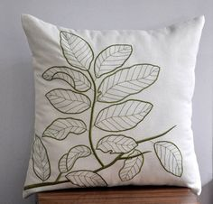 Cojín con hojas bordadas - Leaves Branches Throw Pillow Cover, Decorative Pillow Cover 18 x Cream Linen Pillow Fresh Green Embroidery, Pillow Case, Couch Pillow Floral Throw Pillows, Linen Pillows, Diy Pillows, Cushion Embroidery, Embroidered Cushions, Decorative Pillow Covers, Throw Pillow Covers, Cushion Cover Designs, Natural Pillows