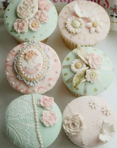 Stunning cupcakes decorated with pearls, lace and flowers