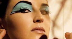 ¿Quieres conocer un poco sobre la historia del maquillaje? ¿Quiénes fueron los primeros? ¿Quién inventó el rimmel? ¿Y la laca de uñas o el khol?