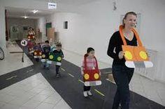 Tractor Popsicle Stick Craft For Kids Kindergarten Activities, Learning Activities, Preschool Activities, Play Based Learning, Kids Learning, Transportation Activities, Petite Section, Creative Activities, Kids Education