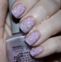 Cupcake nails :) So cool - love this polish.  She made it by mixing a few nail polishes together.  She tells you how she did it step by step.