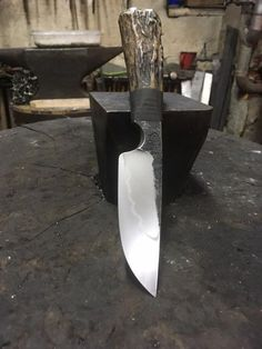 Knife Gil Hibben Combat Machete What about this? Steel Will Courage 310 Fixed Blade Knife stainless…Bıçak Ağzı Cool Knives, Knives And Tools, Knives And Swords, Knife Making Tools, Trench Knife, Knife Handles, Handmade Knives, Knife Sharpening, Fixed Blade Knife