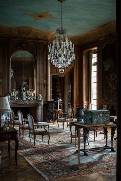 French Interior, Classic Interior, Decor Interior Design, Interior Decorating, Interior Design And Construction, Versailles, World Of Interiors, Interior Exterior, Abandoned Houses