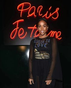 dolcegabbana Amazing @KellyRowland in #ITALIAISLOVE collection arriving at the #DGlovesParis party.
