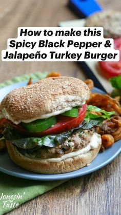 Healthy Burger Recipes, Turkey Burger Recipes, Pork Burgers, Turkey Burgers, Hamburgers, Bbq Chicken Sandwich, Cheeseburger Recipe, Summer Grilling Recipes, Healthy Eating