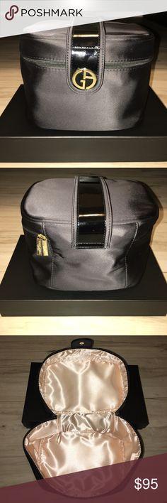 Giorgio Armani Makeup Bag Giorgio Armani Makeup Bag in Black and a touch of Gold Giorgio Armani Bags Travel Bags