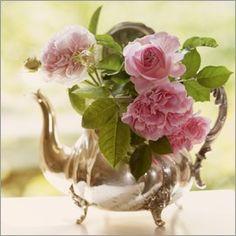 UtArt - Shabby Rosen #floral #photoadaption #vintage #shabby #homedecor #walldecor  #utart #print #poster #shabby-chic #flowers #flower #rose #roses #pink #pattern