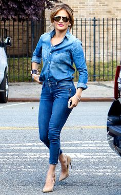 Jennifer Lopez added a dose of GLAM to her all-denim outfit with oversized aviator sunnies boasting metallic gold flash lenses!
