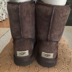 Ugg Chocolate Classic Short Near new condition! Ugg chocolate classic short boot. Size 7 women's. UGG Shoes Winter & Rain Boots