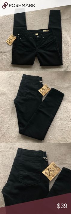 VINTAGE REVOLUTION Skinny Jeans Black Vintage Revolution Skinny Jeans in Black. I know the tag describes them as a legging but their closer to a jean material. Has never been worn, TAGS ARE NO LONGER ATTACHED. Inseam is 31.5in Ask questions before purchasing💕                                        ‼️Fast Shipping  Open to Offers  Willing to Bundle 💕 Pet friendly home  Not a smoke free home Vintage Revolution Jeans Skinny
