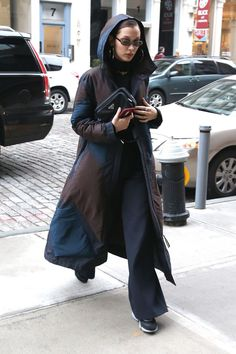 Bella Hadid Out in New York 01/28/2018. Celebrity Fashion and Style | Street Style | Street Fashion