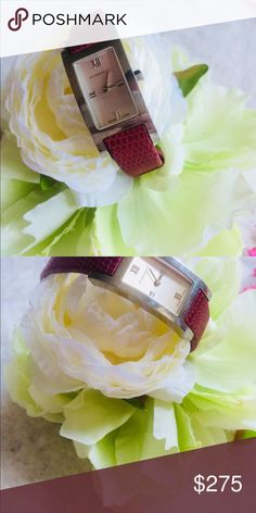 🌸AUTHENTIC BURBERRY WATCH 🌸 Has a minor little knick in the metal part on the right side of you look close . Otherwise in great condition!! Lightly worn Burberry Accessories Watches